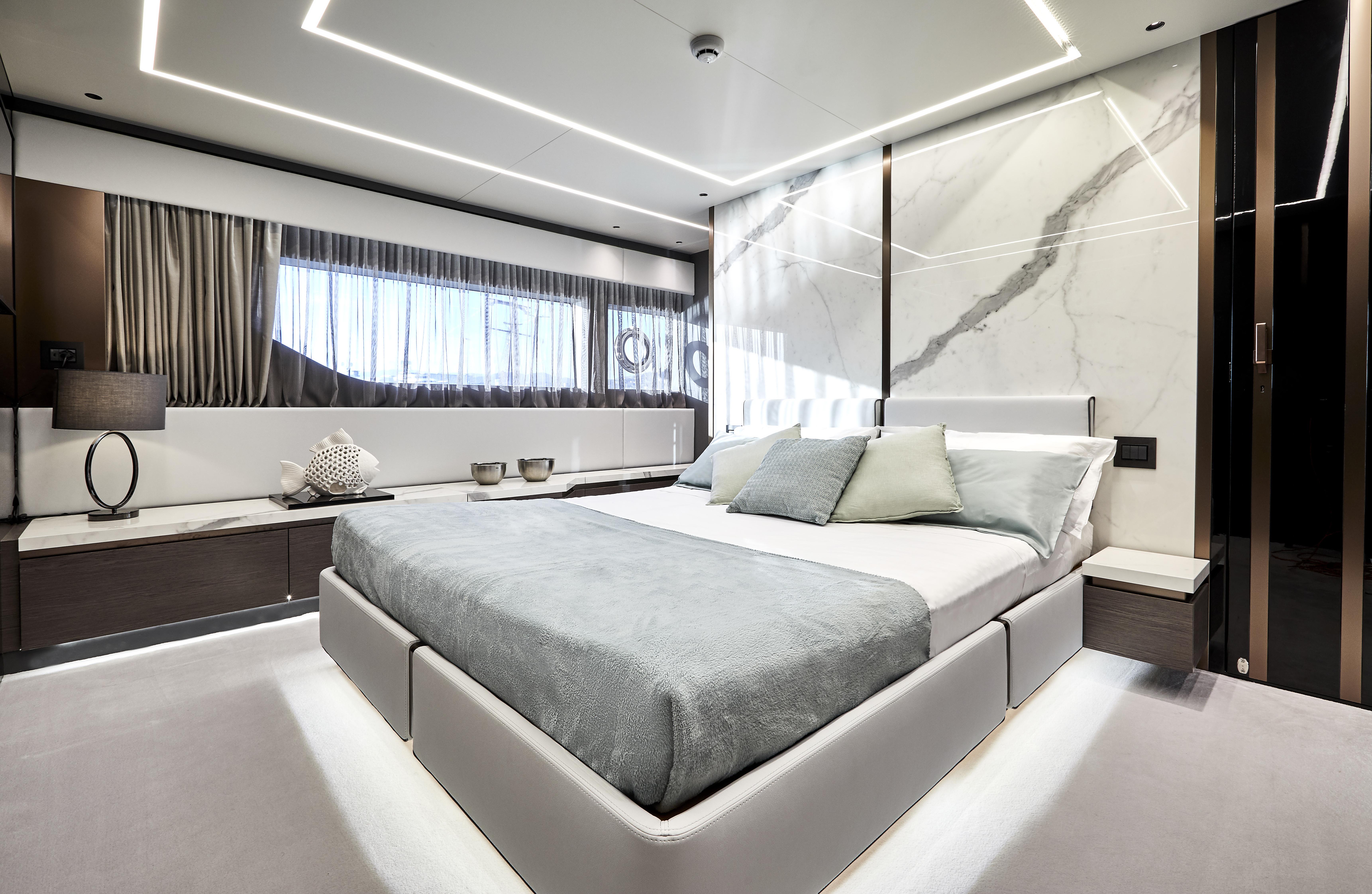 Explorer 62 yacht interni