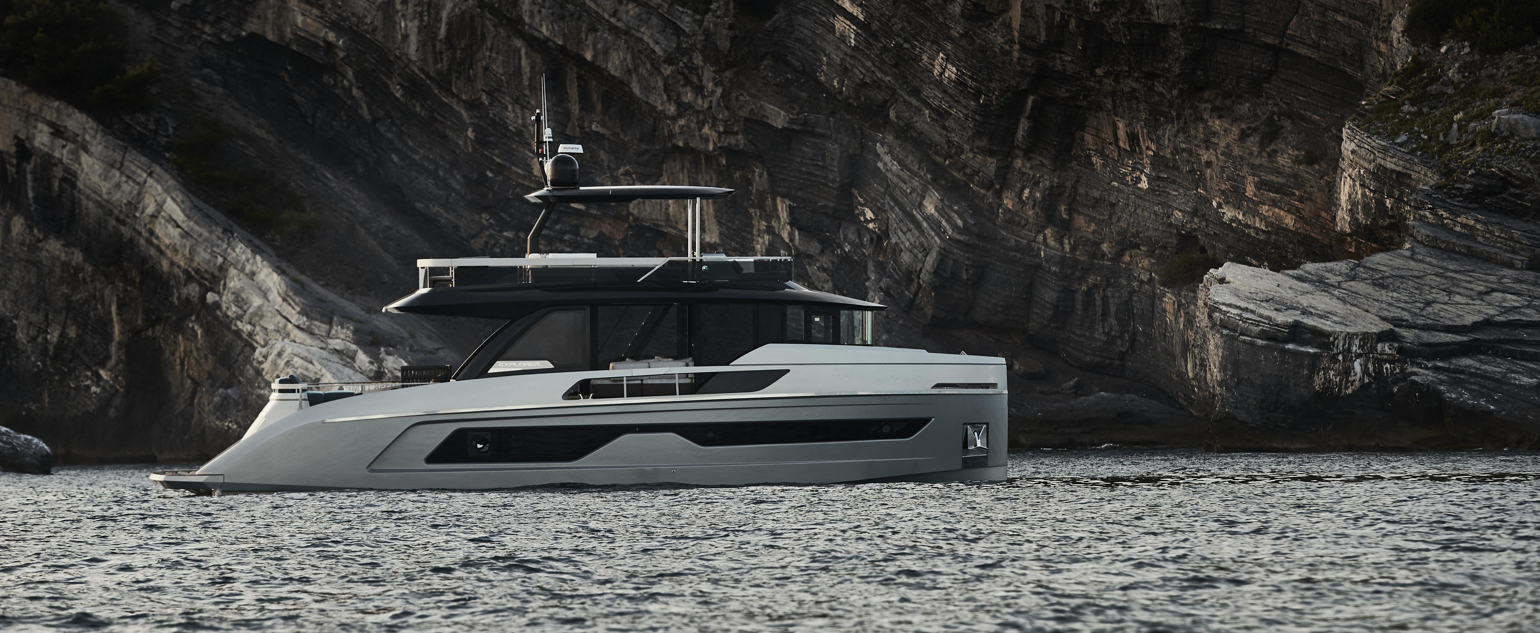 Explorer 62 yacht