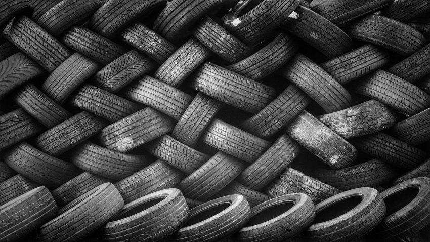 pneumatici Foto di Pexels da Pixabay